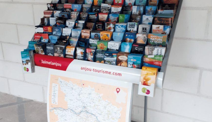 Habillage Présentoir pour Anjou Tourisme