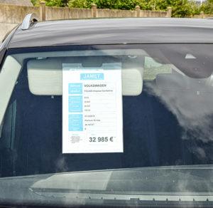 PLV automobile - affiche prix par soleil